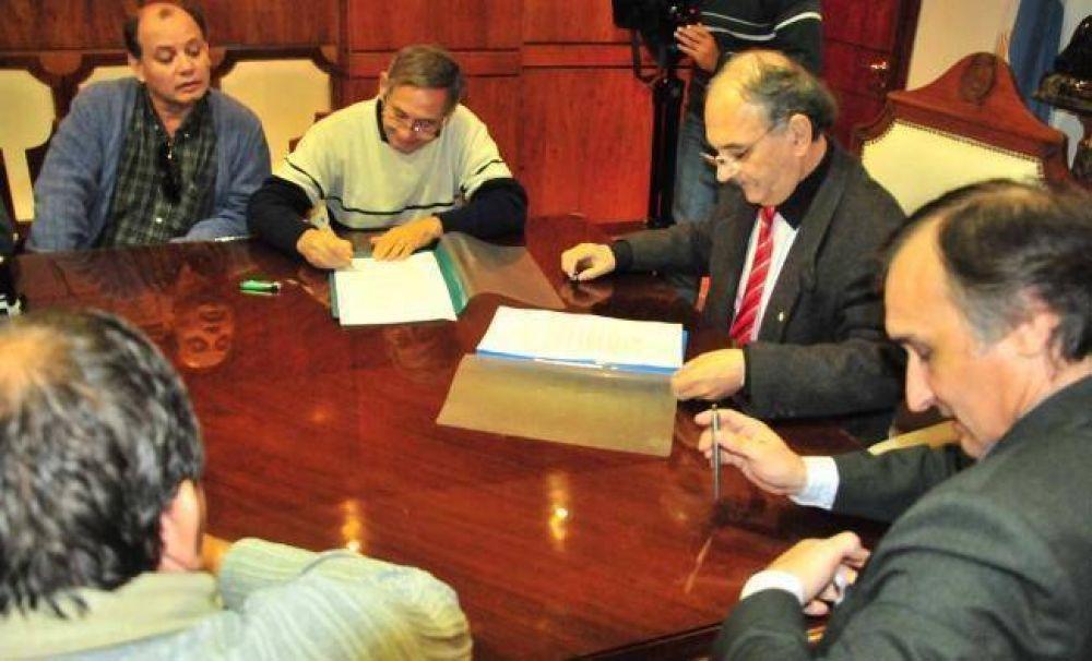 Sitech Federación tras firmar el acta de acuerdo con Gobierno anunció que se terminaron las medidas de fuerza