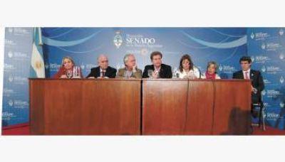 """La oposición se mostró unida y habló de """"diez años derrochados"""""""