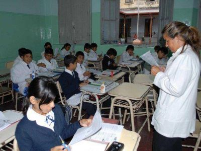 Acuerdan modificar la grilla de puntaje docente