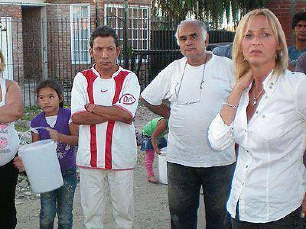 AVELLANEDA   ELECCIONES    Mónica López se reunió con vecinos del barrio San Lorenzo