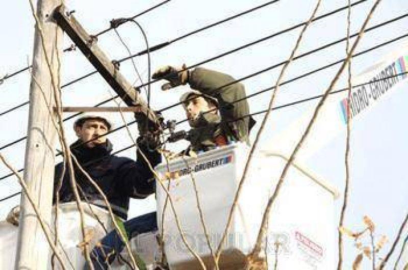 Suba salarial del 26% para trabajadores de electricidad
