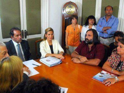 """Scioli les pidió a los docentes que """"reflexionen y normalicen la situación"""""""