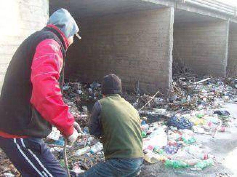 COLCIC suspende tareas de limpieza de los arroyos y marcha hoy a La Plata