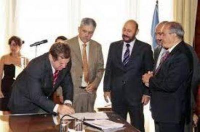 El gobierno nacional y gobernadores acordaran un plan quinquenal de obras para el periodo 2013-2018