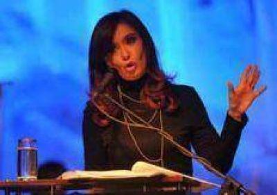"""CFK: """"Cuando nosotros decimos vamos por más, ellos vienen por todo"""""""