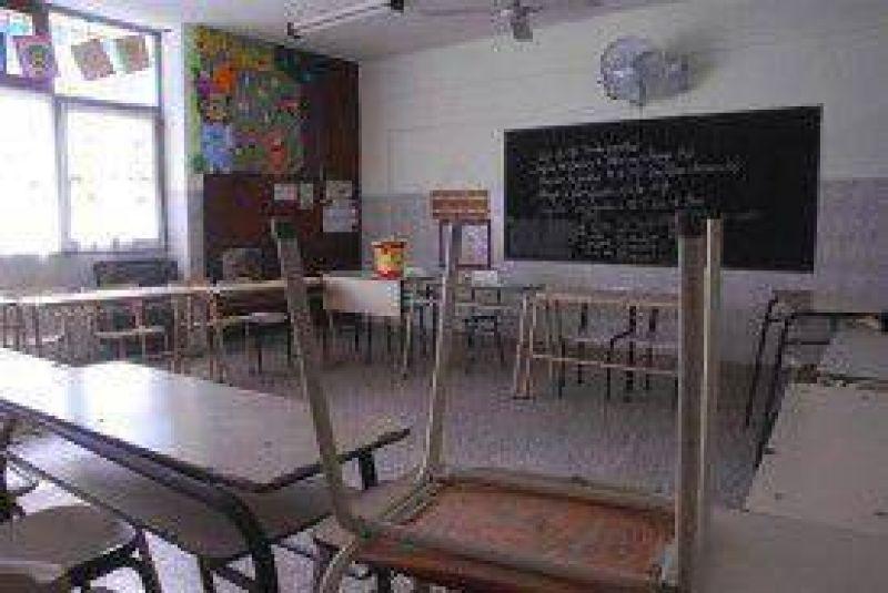 Pese al paro, la Provincia afirmó que no mejorará la oferta a los docentes