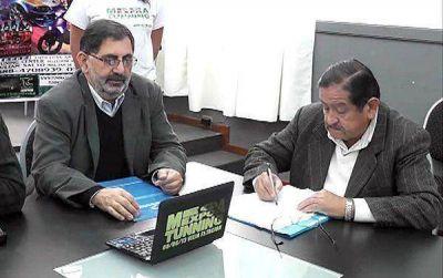 "Municipio y repuesteros promueven la ""Mega Expo Tunning 2013"""