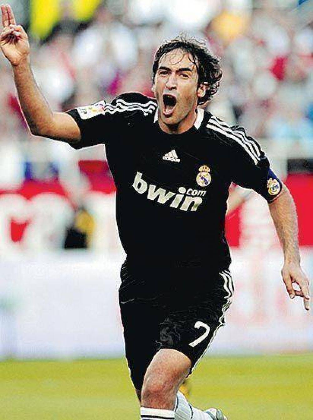 Real Madrid metió cuatro y ahora va por Barcelona.