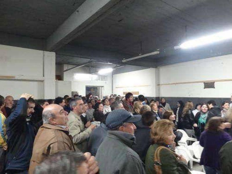 Adelanto: municipales decidieron continuar con el paro