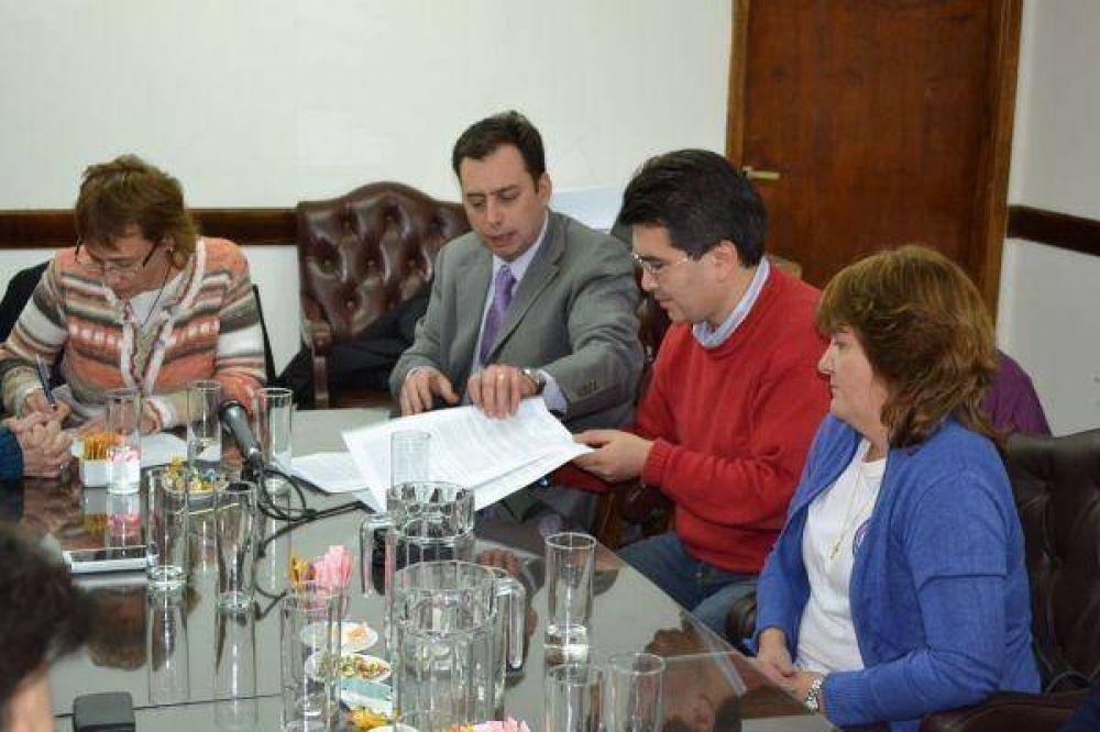 Acuerdo SUTEF-Gobierno puso fin al conflicto docente Destacado