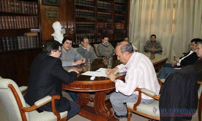 Firmaron un acuerdo salarial con trabajadores de la Dpec y se desactiv� el frente de conflicto