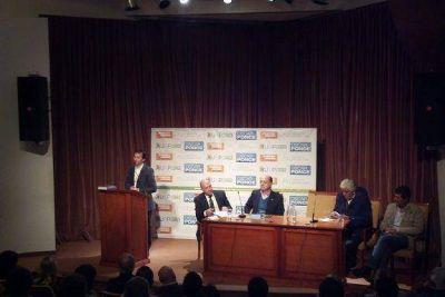 Julián Licastro presentó su nuevo libro a los vecinos de Vicente López