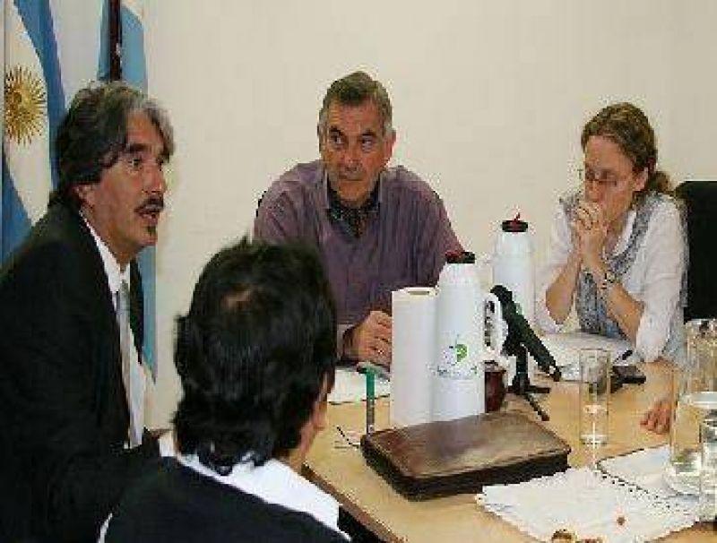 Acuerdan firma de convenio de corresponsabilidad gremial para el sector yerbatero