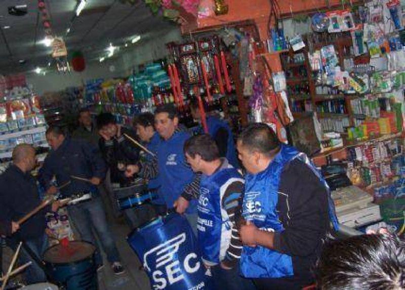 Mercantiles pidieron que blanqueen a dos trabajadores de un Supermercado Chino