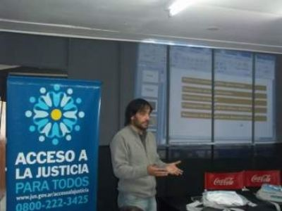 El Centro de Acceso a la Justicia brindó una charla sobre medio ambiente