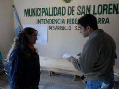 El Intendente Parra entregó nuevas pensiones en San Lorenzo