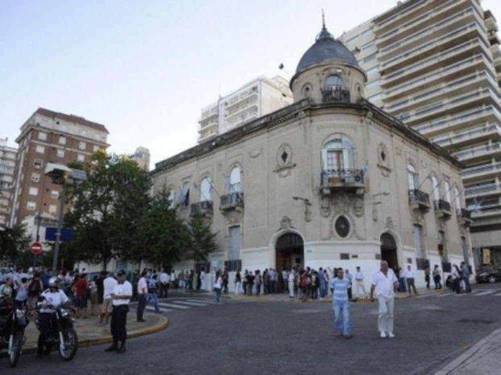 Dirigentes de los Municipales rosarinos van al Vasallo por una deuda