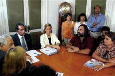 El gobierno bonaerense se reúne con los docentes para destrabar el conflicto salarial