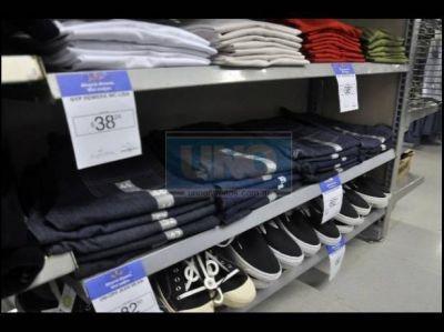 """Las prendas de """"Ropa para todos"""" ya llegaron a la capital entrerriana"""