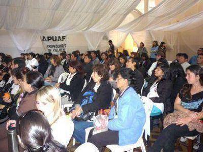 Médicos comunitarios esperan convocatoria
