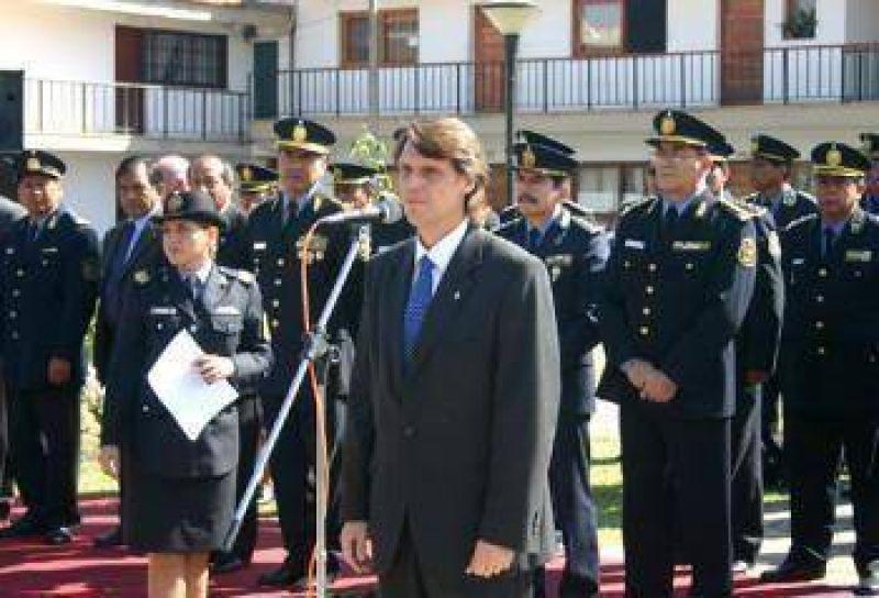El Ministro Kosiner anunció capacitación a distancia para efectivos policiales.