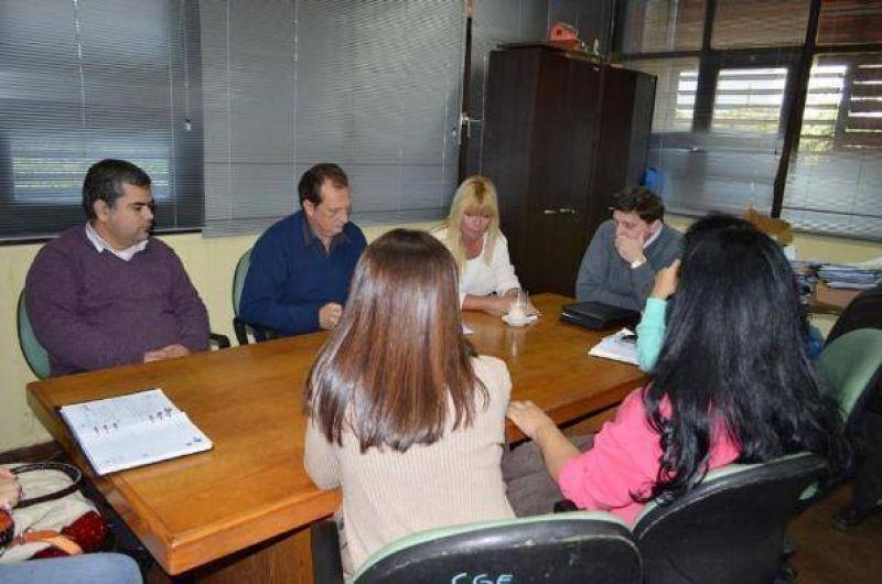La mesa intersindical consensuó un acuerdo salarial con el CGE