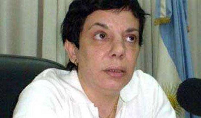 Sandra Mendoza quedó con un pie afuera