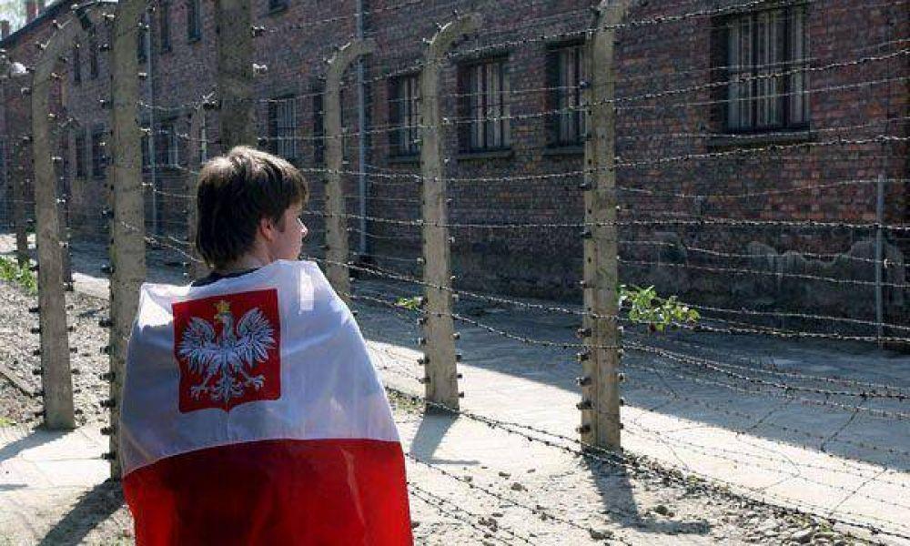Encuentran una botella con mensajes de prisioneros de Auschwitz