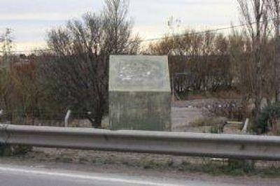 Leyenda Urbana: Robarían Placas De Bronce De Das Neves Para Hacer Monumento A Blas y Buzzi