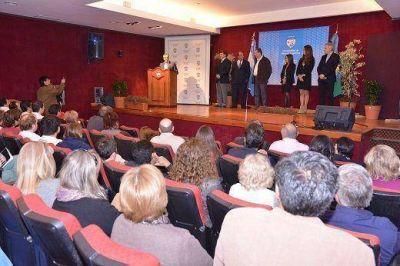 Jesús Cariglino inauguró el Ciclo Académico de Residencias Médicas