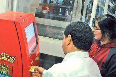 Instalan las primeras máquinas para recarga del boleto electrónico
