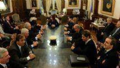 Cristina Fernández de Kirchner recibió a José Urtubey y a la cúpula dirigencial de la UIA