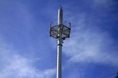 Telefónicas aún incumplen con la relocalización de antenas