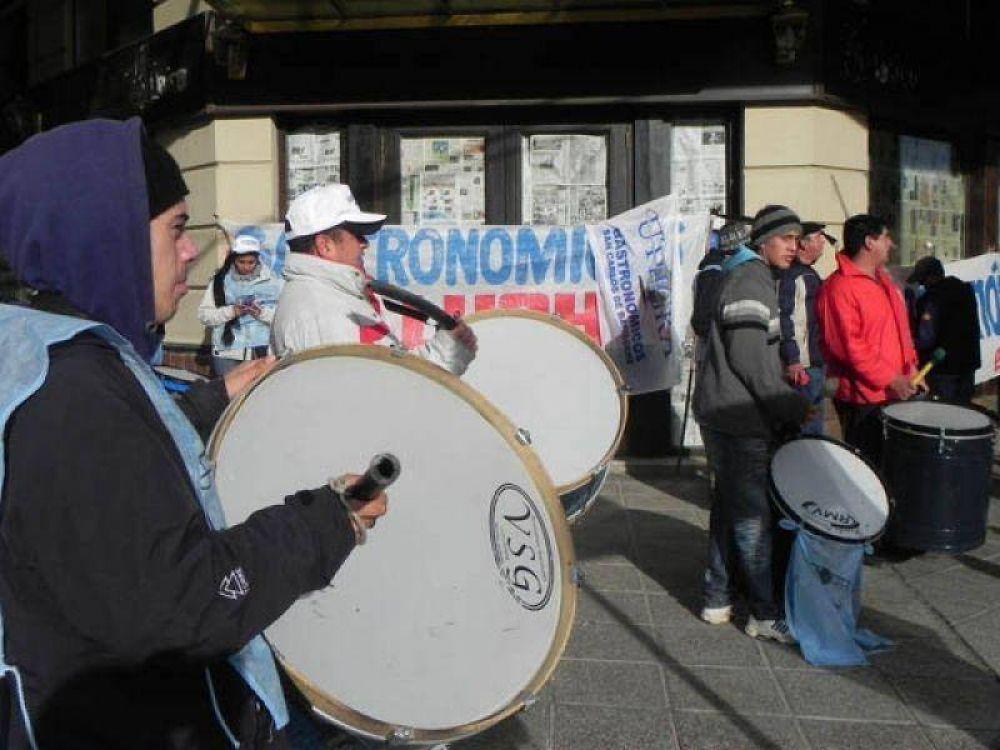 UTHGRA volvió a reclamar el pago de indemnizaciones a trabajadores de Frawens
