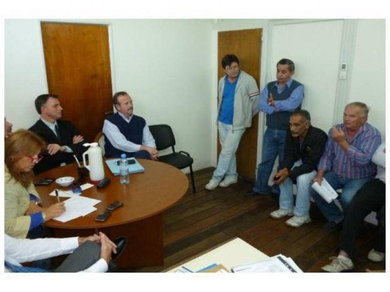 Comuna y taxistas plasmaron acuerdo que garantiza la libre circulación de los paranaenses