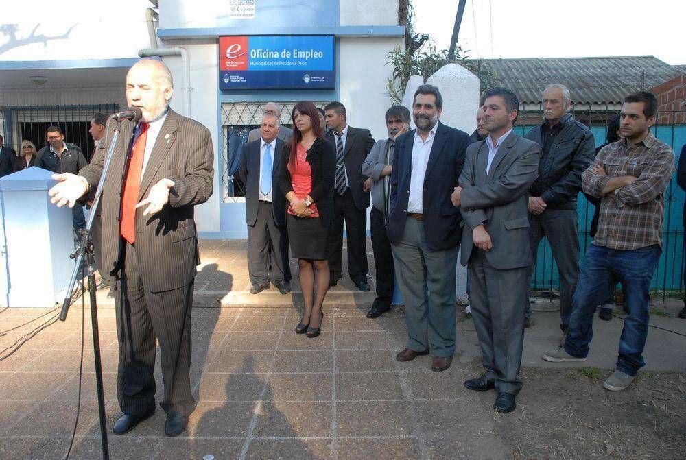 Regueiro inauguró nueva oficina de empleo