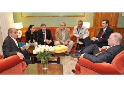 Visita protocolar del Embajador de Palestina y del Gobernador de Jericó en Casa de Gobierno.