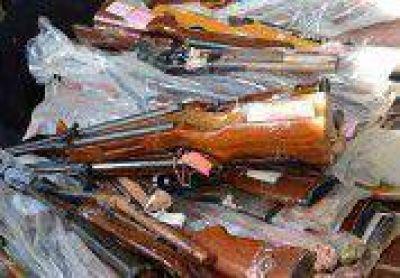 Decomisan unas 70 armas de fuego al año por delitos