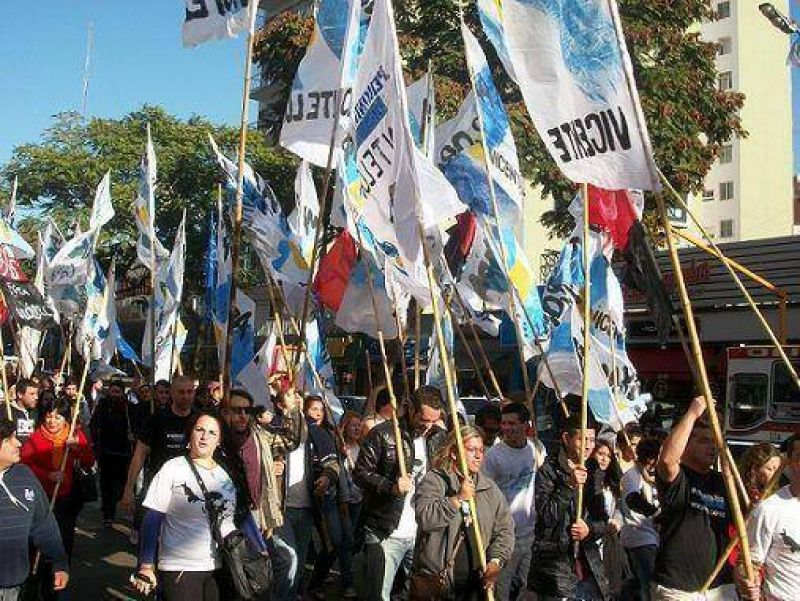 Unidos y Organizados de Vicente L�pez homenaje� al General Valle