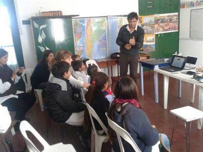 """Comenzaron las capacitaciones en las escuelas sobre """"Bolívar Verde"""""""