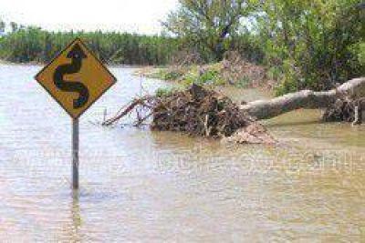 Alertan a pobladores ribereños por la inminente creciente del rio Paraná