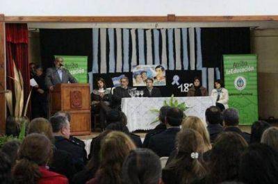 Más infraestructura y educación para la costa del Uruguay