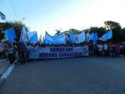 Para las 16,30 está previsto el imponente desfile en el acto por la Provincialización de Formosa