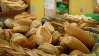 El kilo de pan francés ya cuesta $20