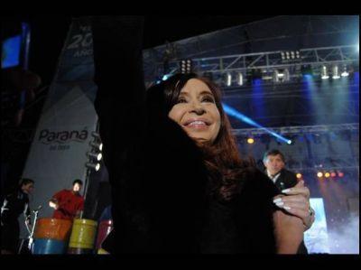 """Cristina, en el cumpleaños 200 de Paraná: """"Ahora la historia la está escribiendo el pueblo"""""""