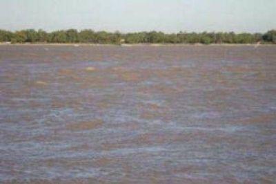 El río Paraná acecha y pronostican más de 7 metros en Barranqueras para el domingo