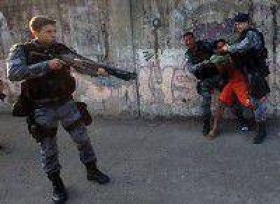 Marcha a dos meses de la represión en el Borda