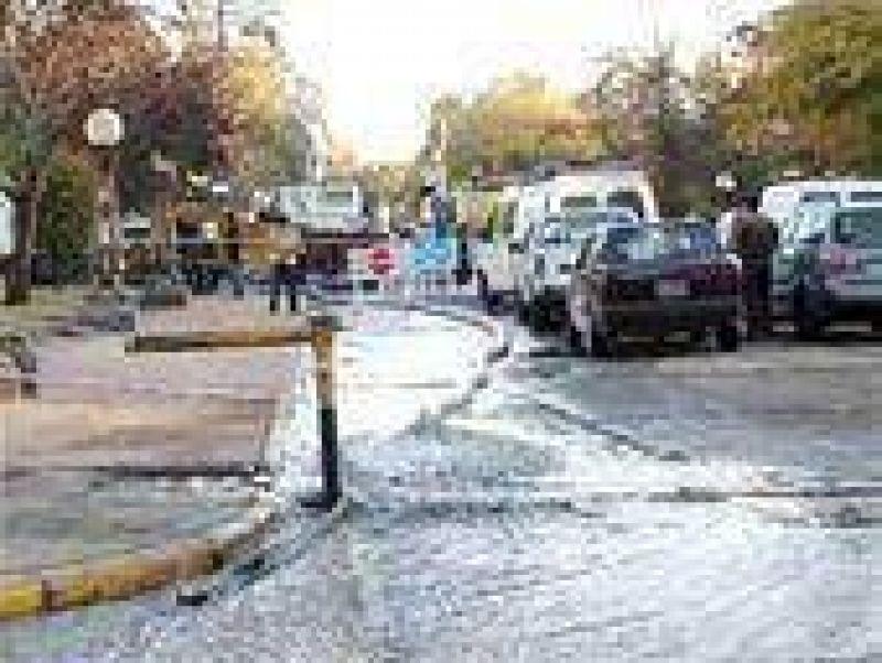 """Pulti afirmó que la falta de agua afecta """"sólo al 10 por ciento de los usuarios"""""""