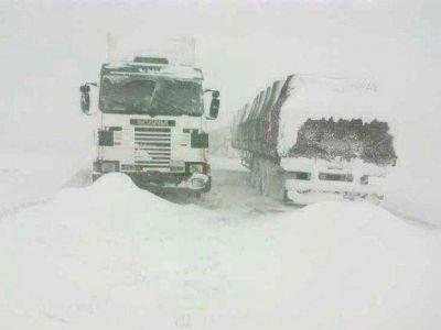 Rescataron ayer a todos los camioneros varados