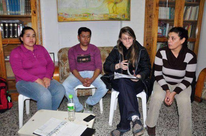 Telén: dejaron sin trabajo a tres porteros y Educación ni los atiende